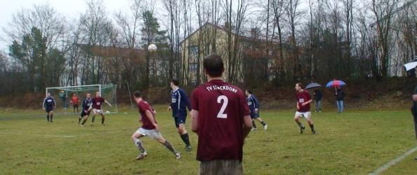 Fußball 2010-2011_11 A-Klasse 2 Zugsp._17 TV 1911 Stockdorf - Gautinger SC_Hillebrand. Foto: Hellmut Frank.