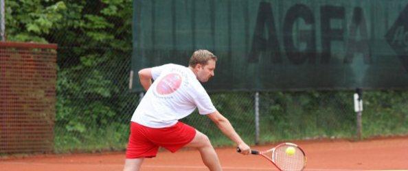 Tennis Würmtal 2011 02 TV Stockdorf Frederik Joergens. Foto: Christoph Falter.