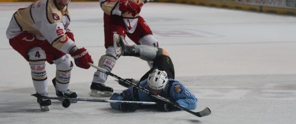 Eishockey 2011-12 DEL 02 EHC München - Hannover Brandon Dietrich. Foto: BLOGpunkt Sport.